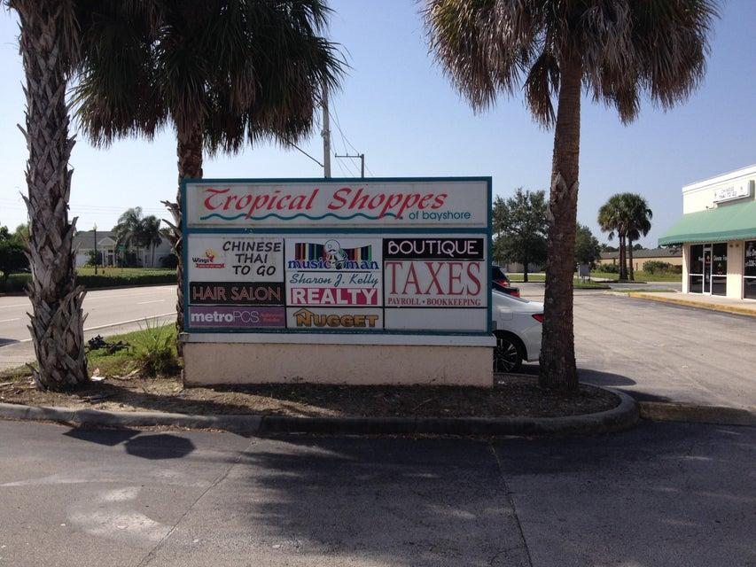 Commercial / Industriel pour l à louer à 938 SW Bayshore Boulevard 938 SW Bayshore Boulevard Port St. Lucie, Florida 34983 États-Unis