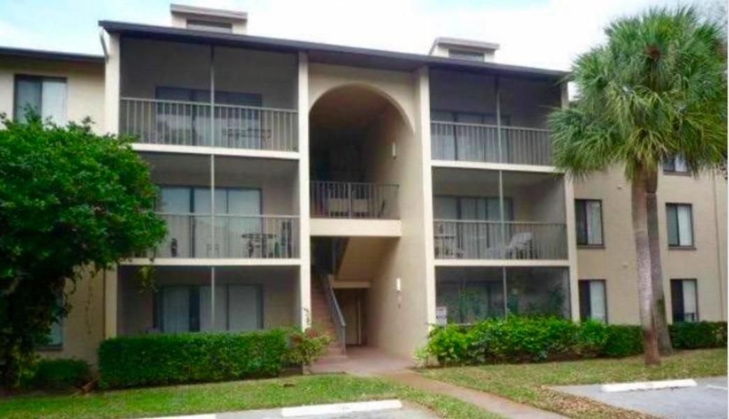 Cooperativa / condomínio para Venda às 205 Foxtail Drive 205 Foxtail Drive Greenacres, Florida 33415 Estados Unidos