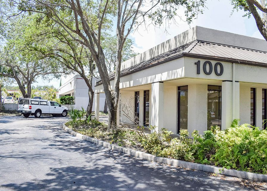 Commercial / Industrial للـ Rent في 1860 Old Okeechobee Road 1860 Old Okeechobee Road West Palm Beach, Florida 33409 United States