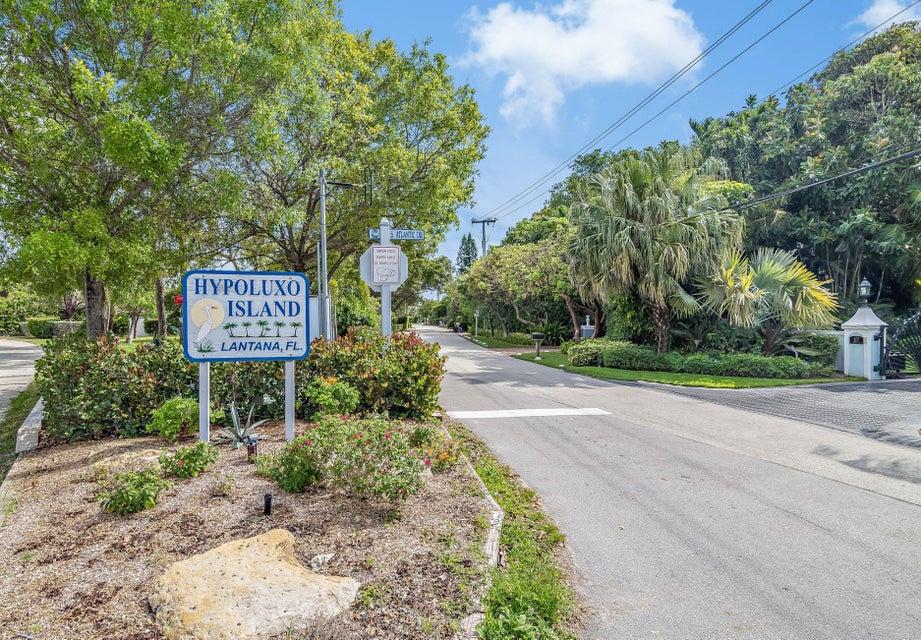 701 Pelican Lane