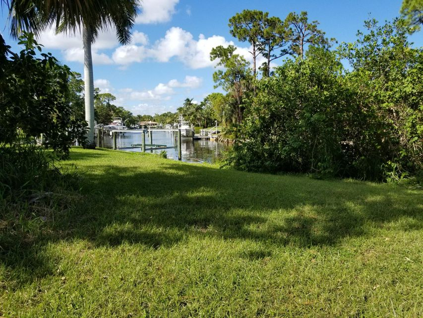 Additional photo for property listing at 1857 NW Palmetto Terrace 1857 NW Palmetto Terrace Jensen Beach, Florida 34957 United States