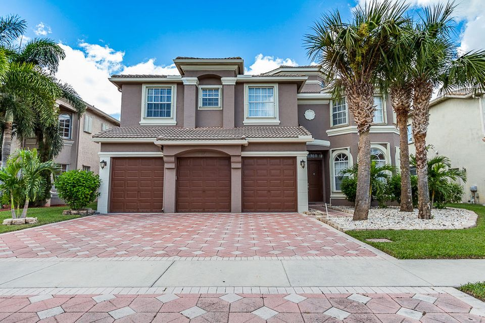 Single Family Home for Sale at 2105 Bellcrest Court 2105 Bellcrest Court Royal Palm Beach, Florida 33411 United States