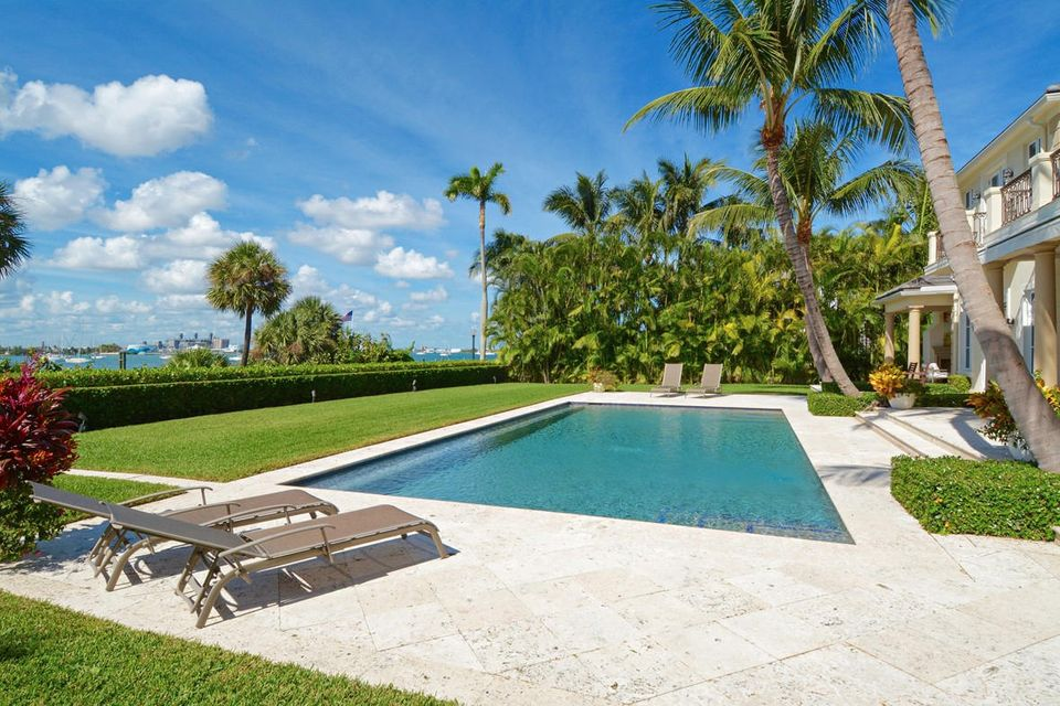 1191 N Lake Way , Palm Beach FL 33480 is listed for sale as MLS Listing RX-10380124 photo #2