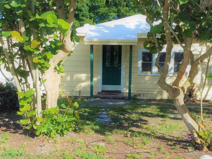 4488 Coconut Road  Lake Worth, FL 33461
