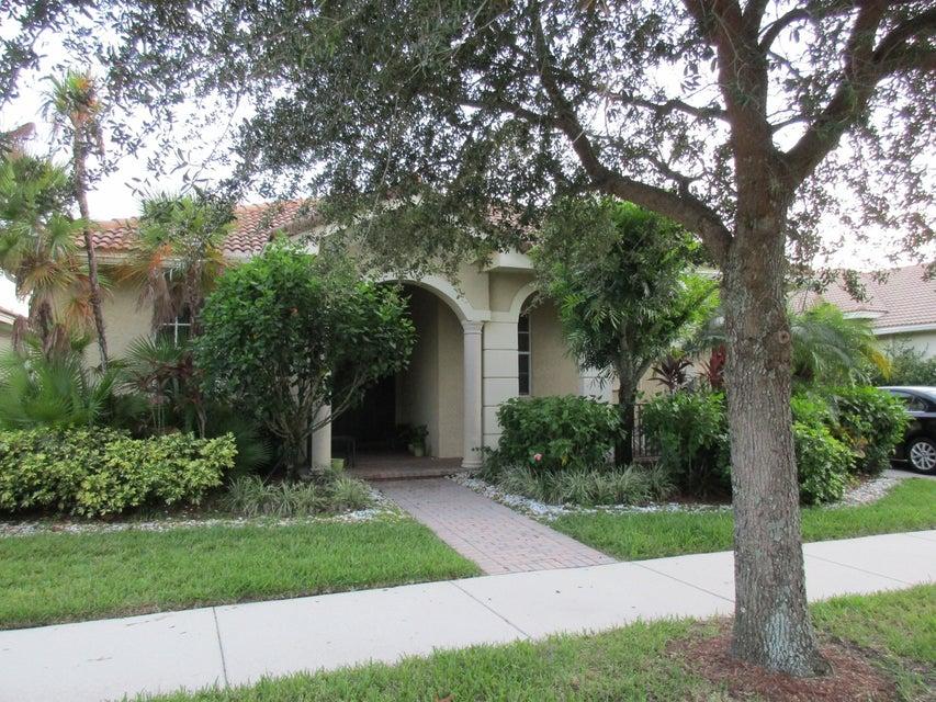 Single Family Home for Sale at 114 Via Azurra Jupiter, Florida 33458 United States