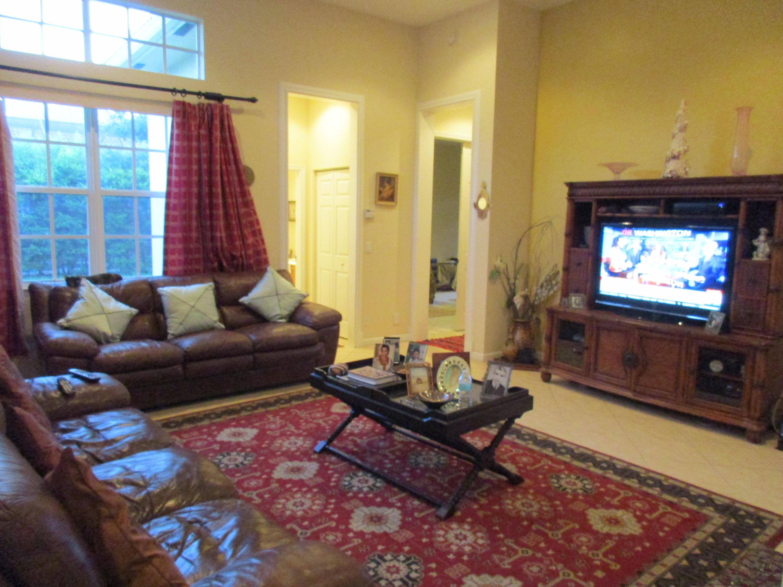 Additional photo for property listing at 114 Via Azurra  Jupiter, Florida 33458 United States