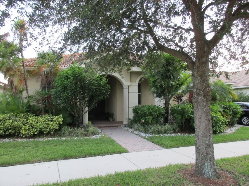 114 Via Azurra  Jupiter FL 33458