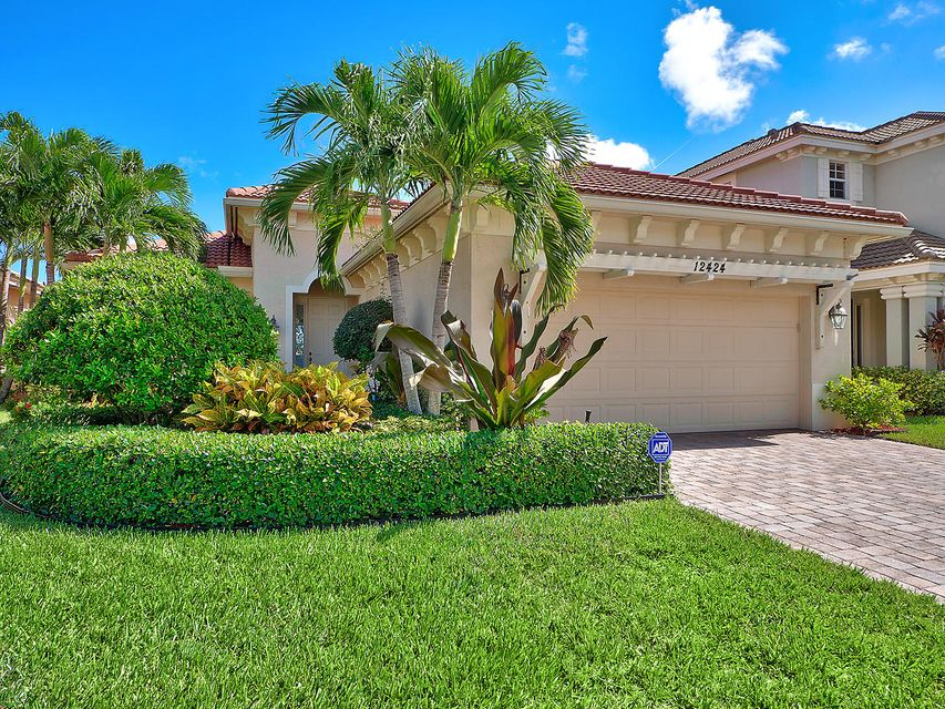 12424 Aviles Circle , Palm Beach Gardens FL 33418 is listed for sale as MLS Listing RX-10380332 18 photos