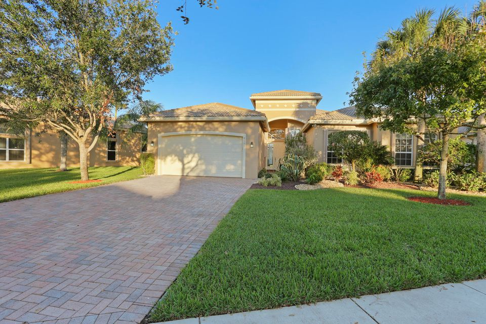 VALENCIA SHORES home 8651 Tierra Lago Cove Lake Worth FL 33467