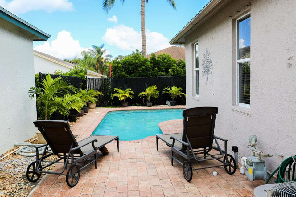 1017 Cape Cod Terrace West Palm Beach, FL 33413 photo 24