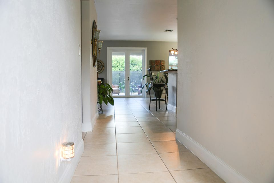 1017 Cape Cod Terrace West Palm Beach, FL 33413 photo 3