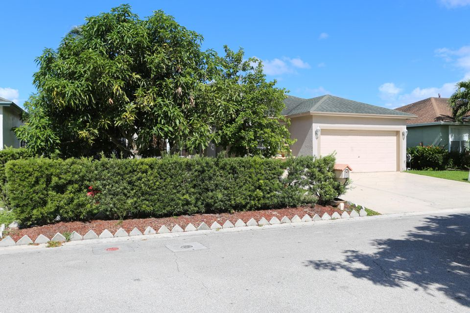 1017 Cape Cod Terrace West Palm Beach, FL 33413 photo 29