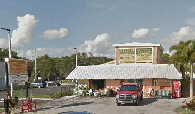 Commercial for Sale at 505 NE Park Street 505 NE Park Street Okeechobee, Florida 34972 United States