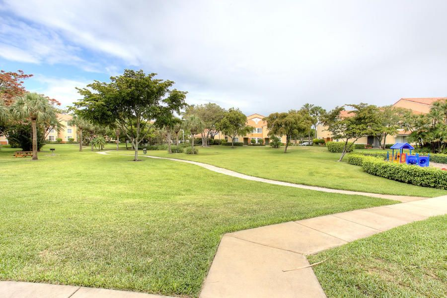 Additional photo for property listing at 131 Yacht Club Way 131 Yacht Club Way Hypoluxo, Florida 33462 Estados Unidos