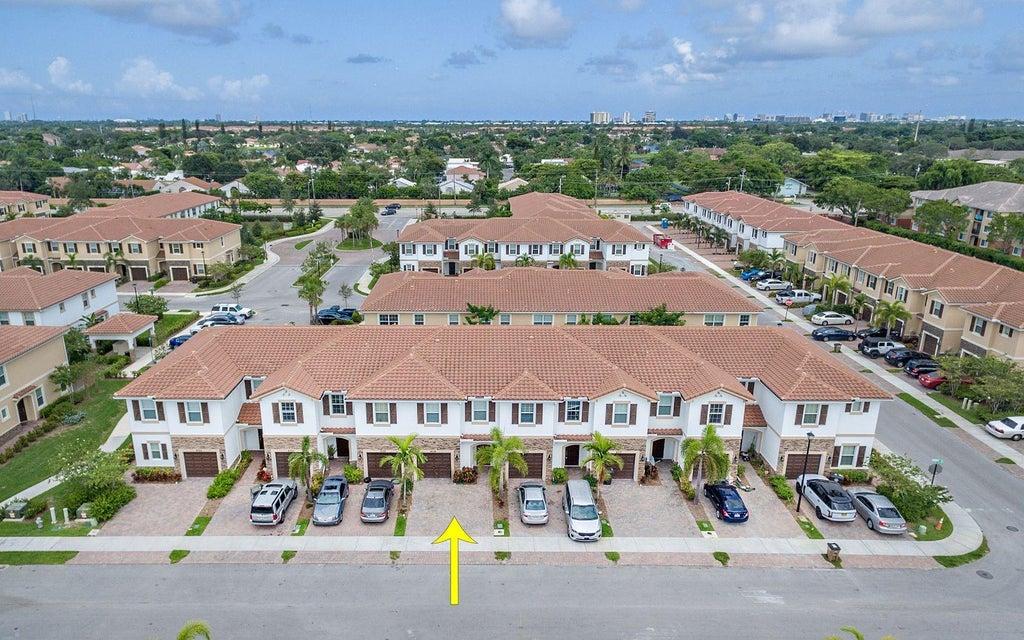 4314 Brewster Lane West Palm Beach, FL 33417 photo 3