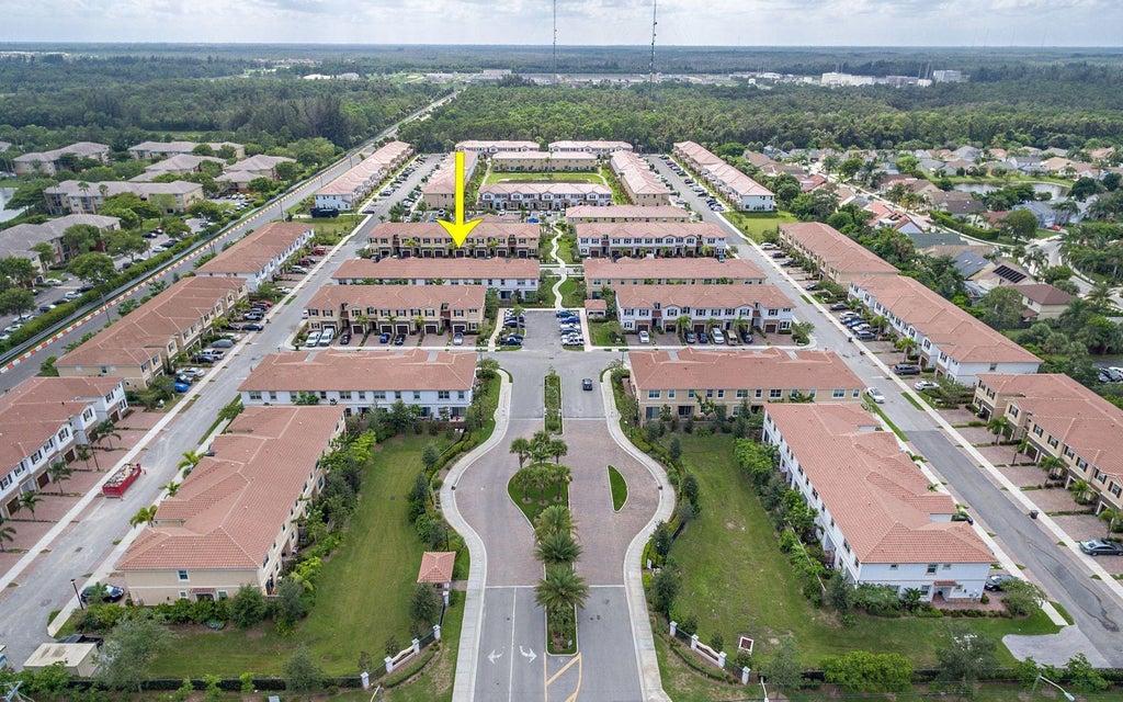 4314 Brewster Lane West Palm Beach, FL 33417 photo 4