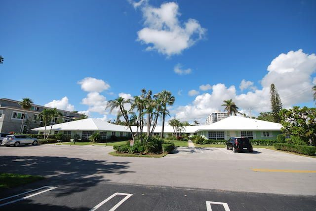 Villa por un Venta en 410 Venetian Drive 410 Venetian Drive Delray Beach, Florida 33483 Estados Unidos
