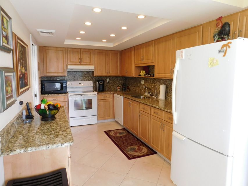 5344 Woodland Lakes Drive 222 , Palm Beach Gardens FL 33418 is listed for sale as MLS Listing RX-10381354 33 photos