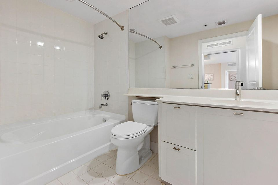 Additional photo for property listing at 235 NE 1st Street 235 NE 1st Street Delray Beach, Florida 33444 United States