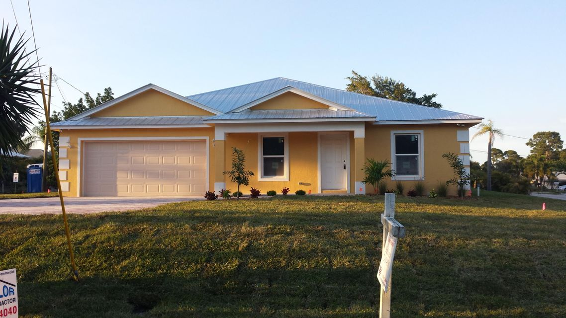 Single Family Home for Sale at 4093 SW 66th Avenue 4093 SW 66th Avenue Palm City, Florida 34990 United States