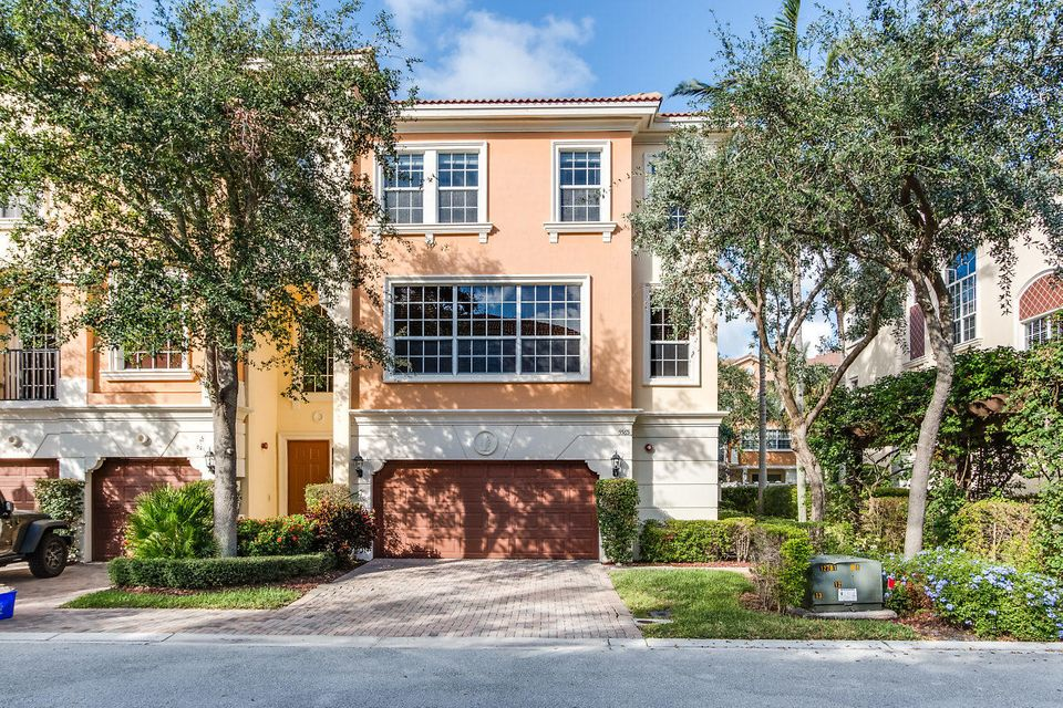 5565 NE Trieste Way is listed as MLS Listing RX-10381313 with 29 pictures
