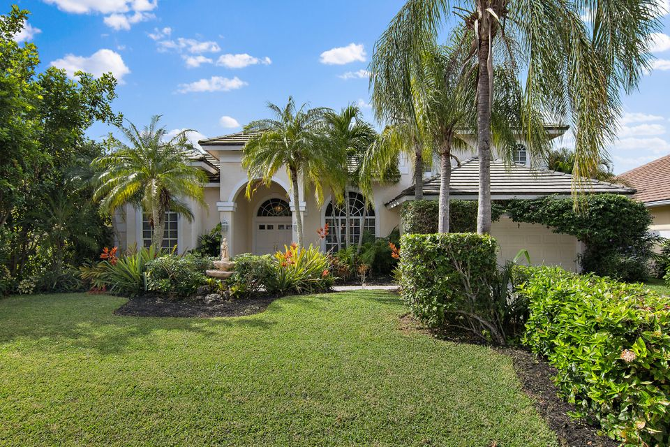 19 Windward Isle Isle(s) , Palm Beach Gardens FL 33418 is listed for sale as MLS Listing RX-10381407 61 photos