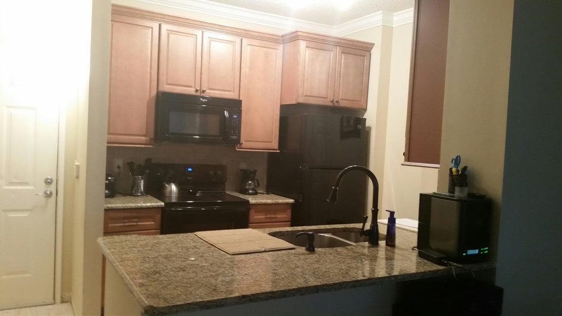 Condominium for Rent at 720 S Sapodilla Avenue # 112 720 S Sapodilla Avenue # 112 West Palm Beach, Florida 33401 United States