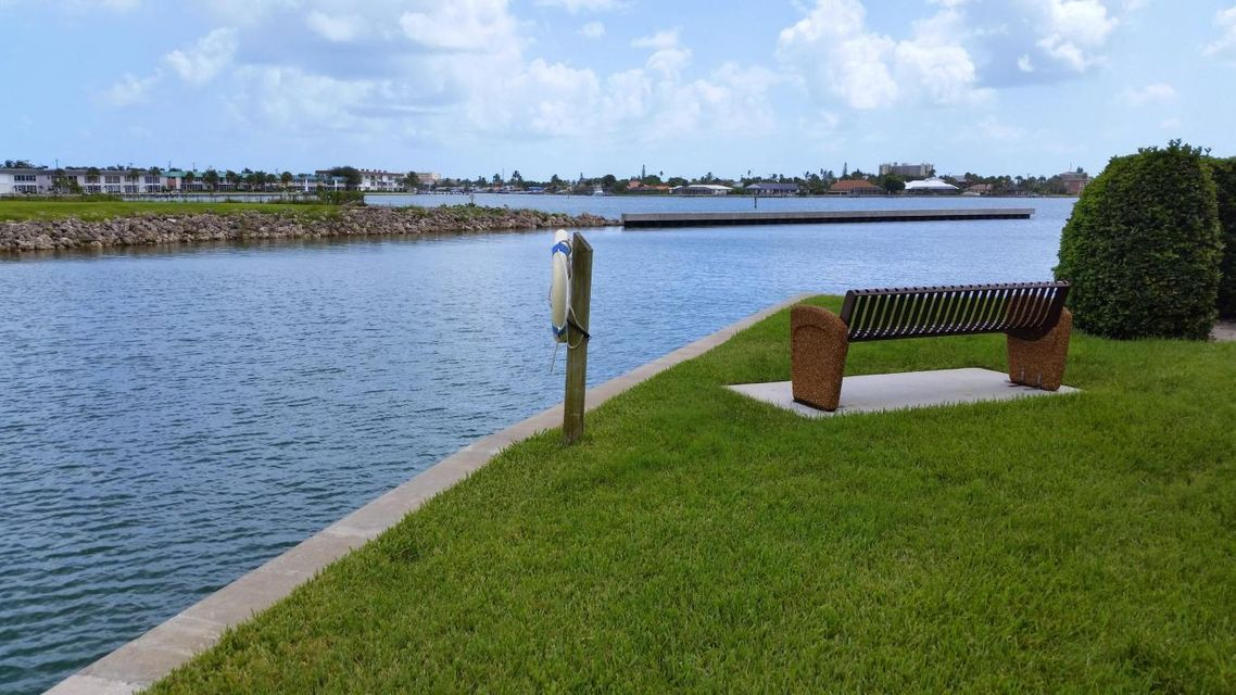 Additional photo for property listing at 23 Harbour Isle Drive # 303 23 Harbour Isle Drive # 303 Hutchinson Island, Флорида 34949 Соединенные Штаты