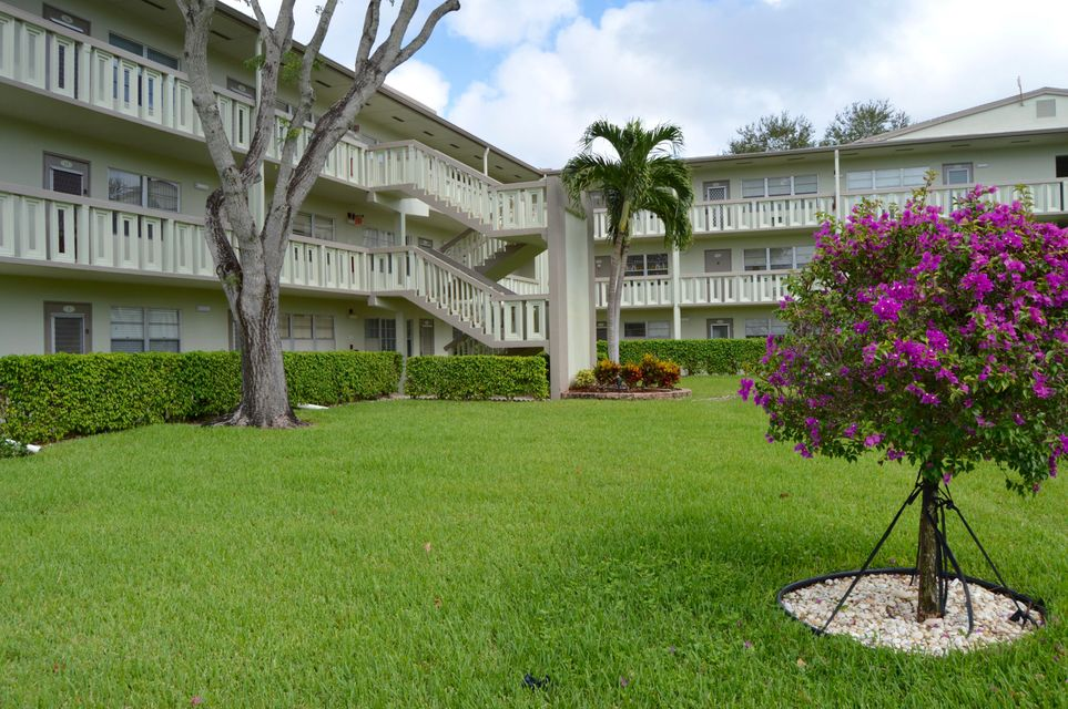 Additional photo for property listing at 2 Dorset A 2 Dorset A Boca Raton, Florida 33434 États-Unis