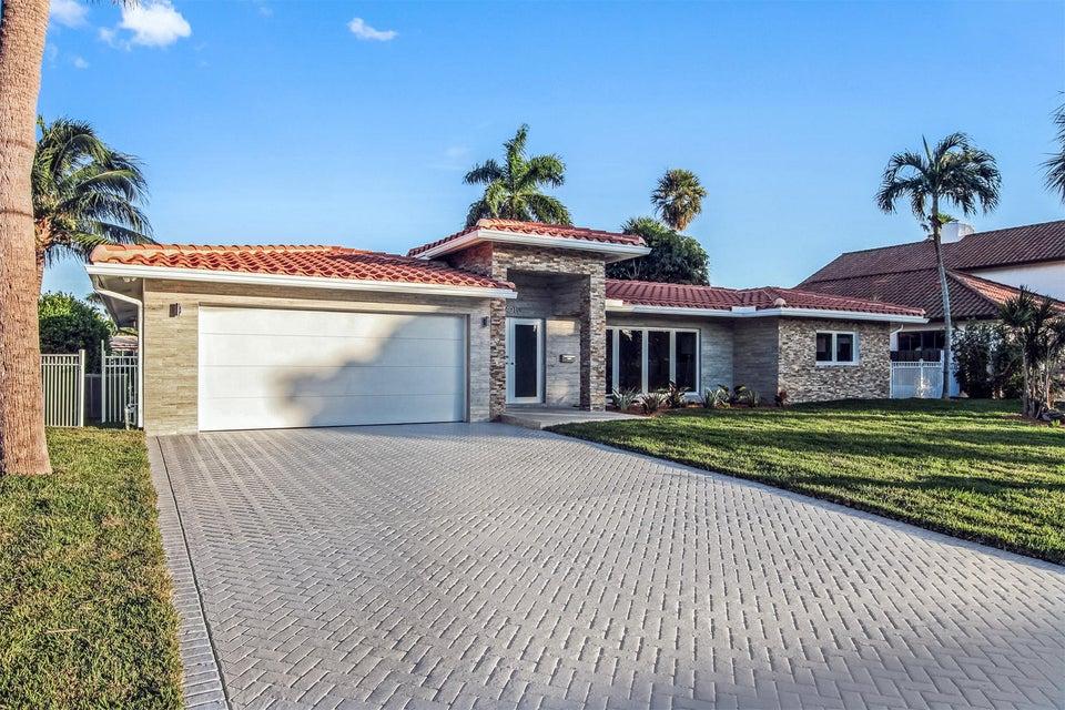 Частный односемейный дом для того Продажа на 4010 NE 23 Avenue 4010 NE 23 Avenue Lighthouse Point, Флорида 33064 Соединенные Штаты