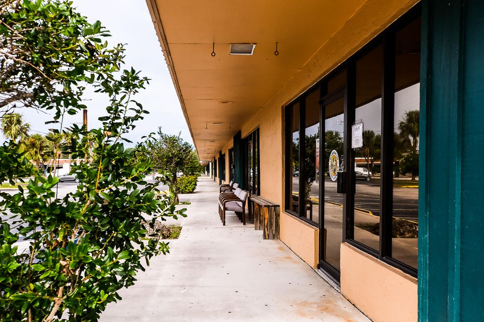 Additional photo for property listing at 3220 S Us Highway 1 Highway 3220 S Us Highway 1 Highway Fort Pierce, Florida 34982 Estados Unidos