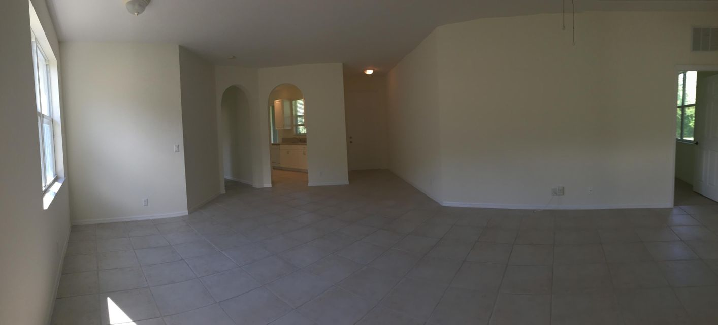 Additional photo for property listing at 315 SW Perdido Key Street 315 SW Perdido Key Street Port St. Lucie, Florida 34986 United States