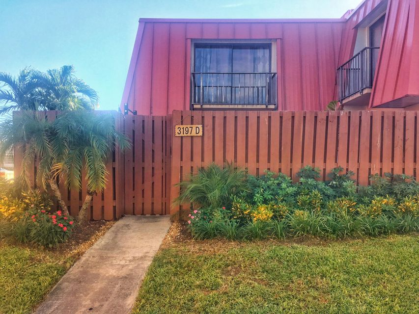 3197 Meridian Way D , Palm Beach Gardens FL 33410 is listed for sale as MLS Listing RX-10381957 21 photos