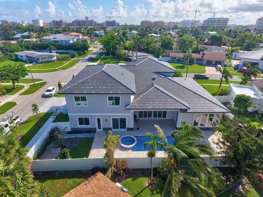 Additional photo for property listing at 299 NE 6th Street 299 NE 6th Street Boca Raton, Florida 33432 United States