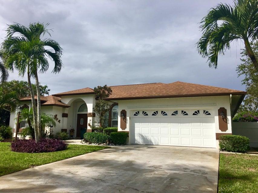 Single Family Home for Sale at 1905 SE Emerald Court 1905 SE Emerald Court Stuart, Florida 34997 United States