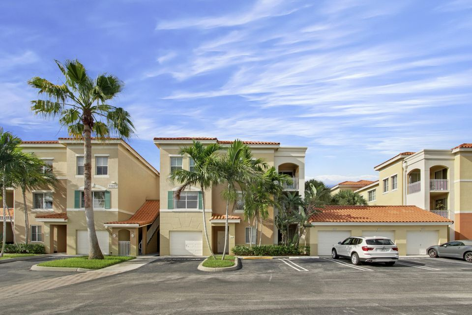 11031 Legacy Boulevard 202 , Palm Beach Gardens FL 33410 is listed for sale as MLS Listing RX-10382205 18 photos