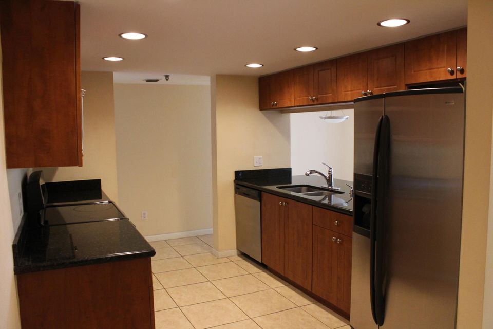 Co-op / Condo for Sale at 950 Lavers Circle 950 Lavers Circle Delray Beach, Florida 33444 United States