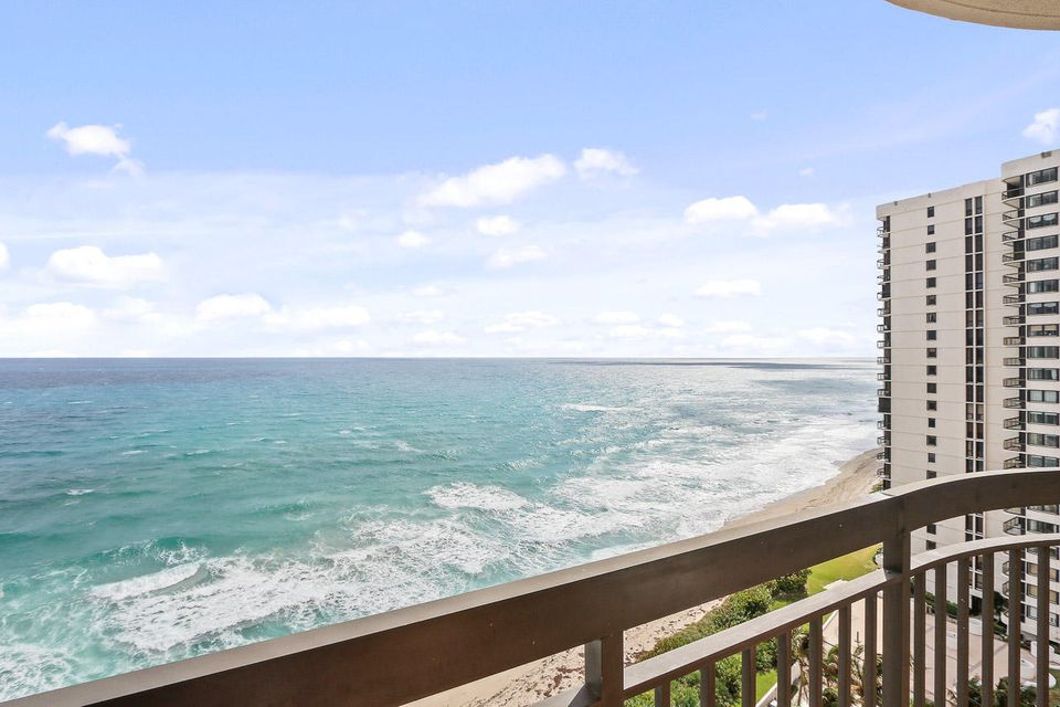 5380 N Ocean Drive is listed as MLS Listing RX-10382288 with 60 pictures