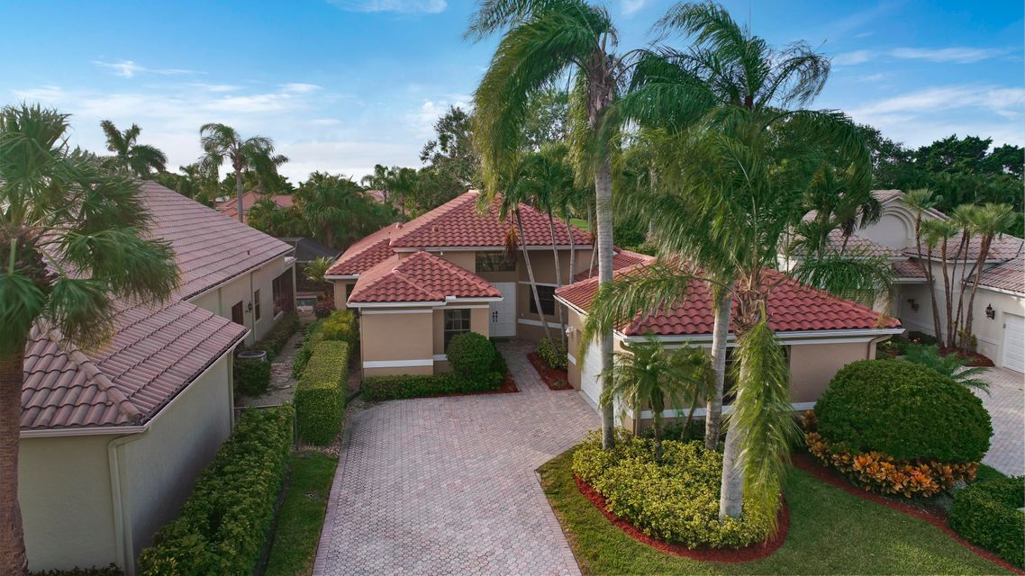 10064 Dover Carriage Lane  Wellington, FL 33449