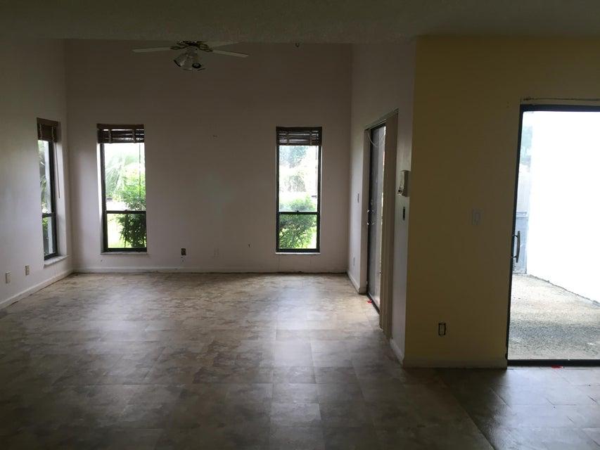 1490 White Pine Drive Wellington, FL 33414 photo 7