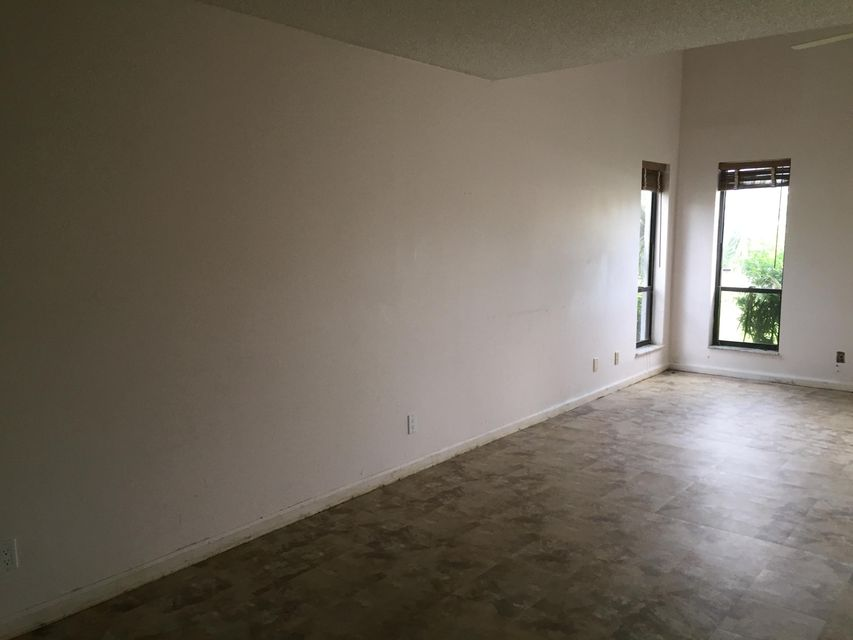 1490 White Pine Drive Wellington, FL 33414 photo 6