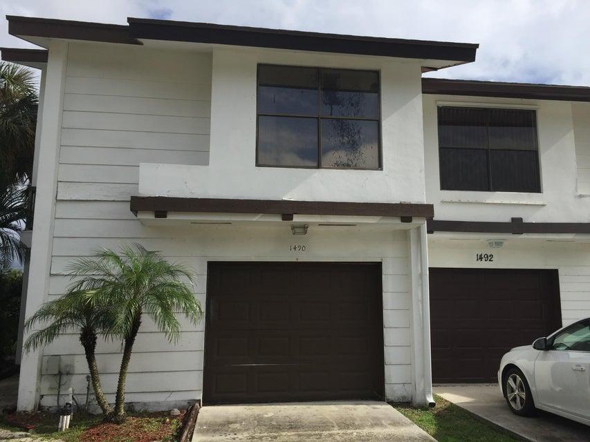 1490 White Pine Drive Wellington, FL 33414 photo 2