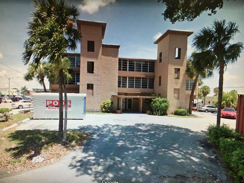 商用 为 销售 在 900 SE 8 Avenue 900 SE 8 Avenue 迪尔菲尔德海滩, 佛罗里达州 33441 美国
