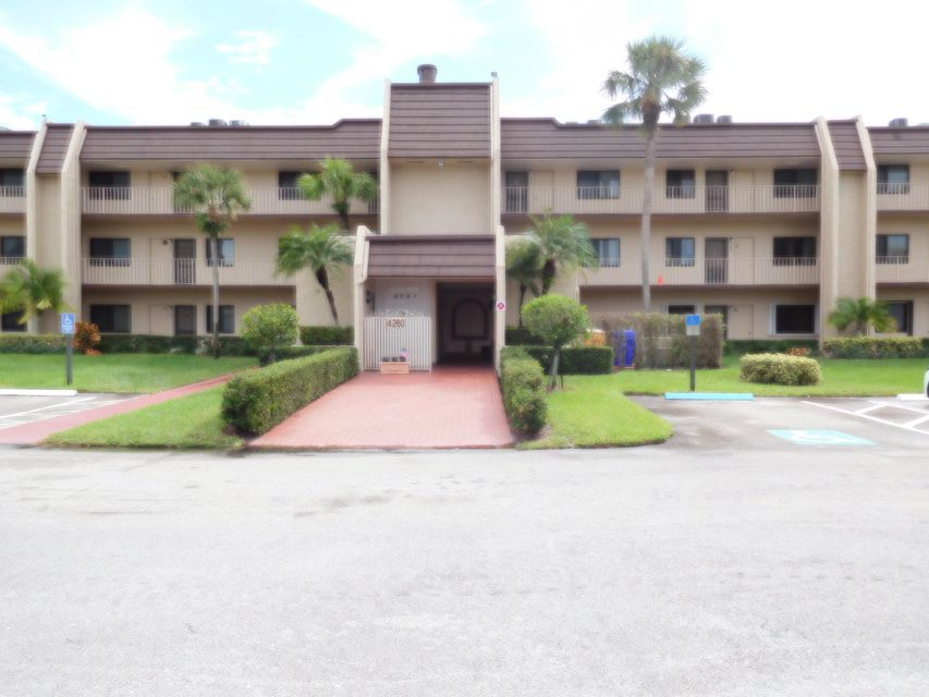 4260 Deste 306  Lake Worth, FL 33467