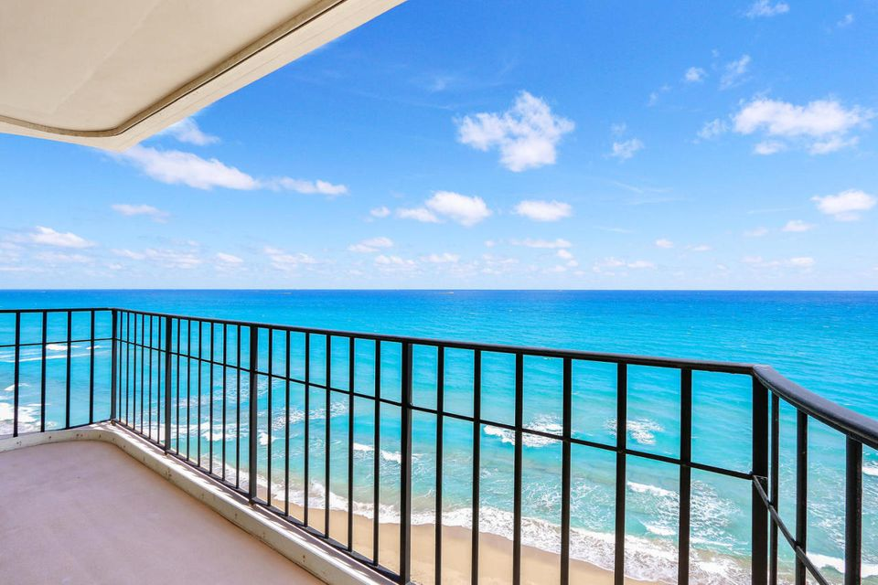 5480 N Ocean Drive is listed as MLS Listing RX-10382397 with 63 pictures