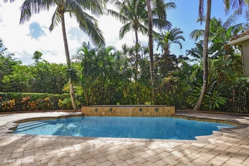 Additional photo for property listing at 360 Fishermans Way 360 Fishermans Way Jupiter, Florida 33477 United States