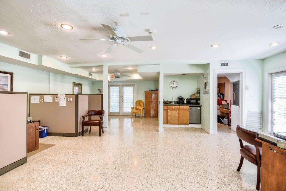 517 Lancaster Street Boca Raton, FL 33498 photo 17