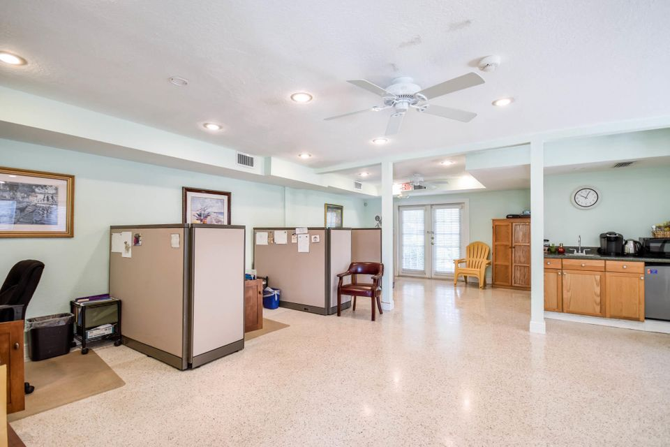 517 Lancaster Street Boca Raton, FL 33498 photo 19