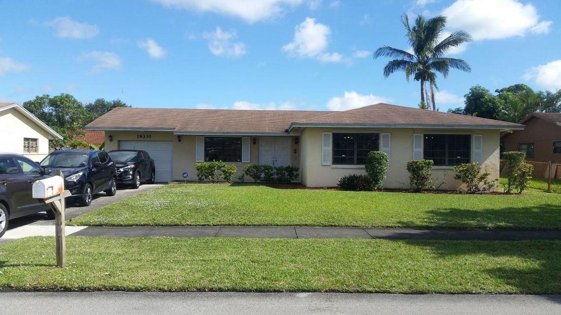 Home for sale in ROLLING OAKS ESTATES Miami Gardens Florida
