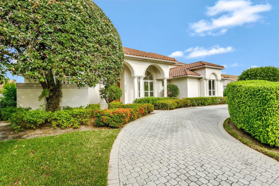 2740 Tecumseh Drive  West Palm Beach, FL 33409